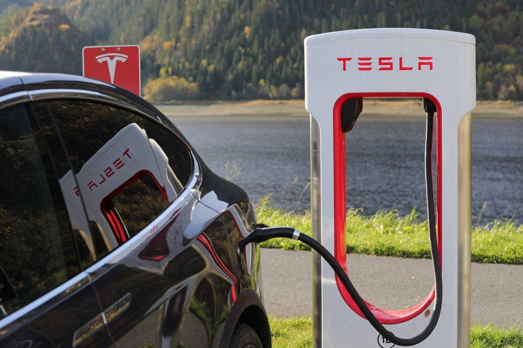 Calculating Electric Car Costs